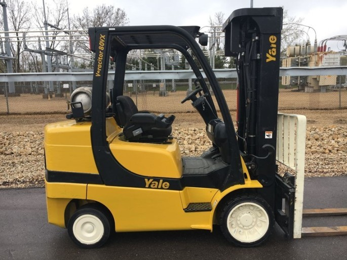 Yale Forklifts GLC080 Solid Tire 8000lb Propane Forklift 2006