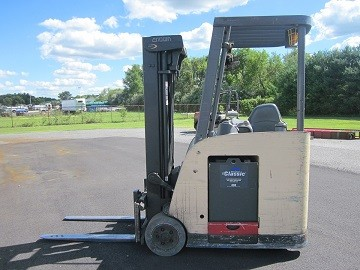 Crown Forklifts RC5530C-30 Electric Stand Up Rider 3000lb Counter Balance Forklift 2007
