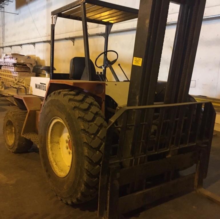 Manitou T802-TC-D 8000lb Diesel Engine Rough Terrain Forklift 1988