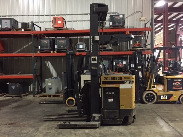 Caterpillar Forklifts NRDR30 Stand Up Rider Double Reach 3000lb Electric Forklift 2003