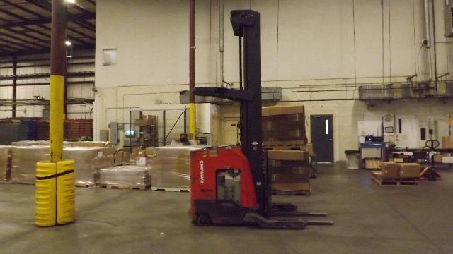 Raymond Forklifts 740-R45TT Electric Stand Up Rider 4500lb Reach Forklift 2006