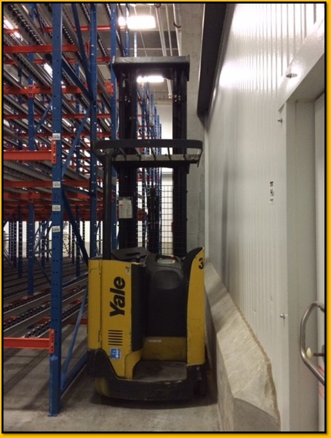 Yale Forklifts NDR035AENM36TE138 3500lb Electric Stand Up Rider Double Reach Forklift 2009