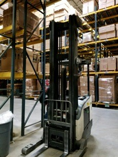 Crown Forklifts RR5725-45 Electric Stand Up Rider 4500lb Reach Forklift 2013