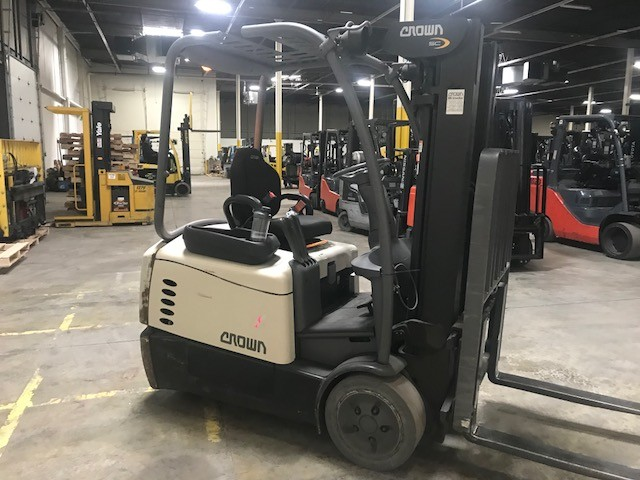 Crown Forklifts SC5225-30 Electric Sit Down Rider 3000lb 3-Wheel Forklift 2013