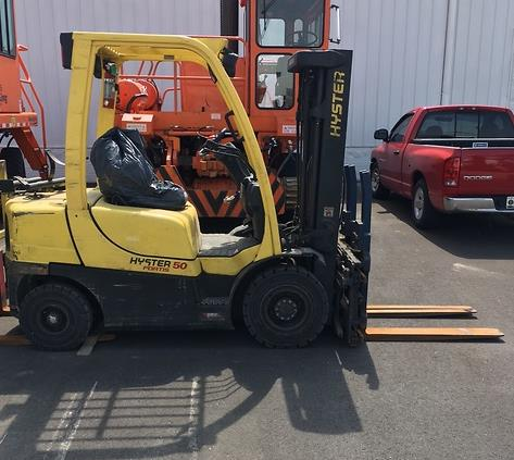 Hyster Forklifts H50FT 5000lb Pnuematic Tire Propane Forklift 2014