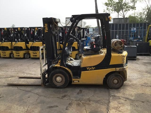 Yale Forklifts GLP050VXN 5000lb Pneumatic Tire Propane Forklift 2014