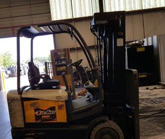 Crown Forklifts FC4510-50 Electric Sit Down Rider 5000lb Forklift 2012