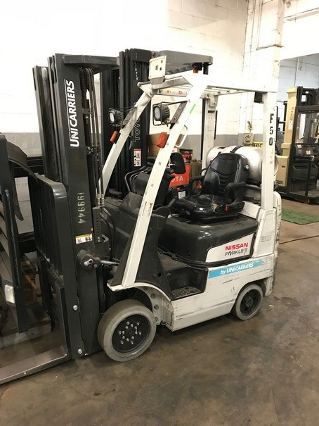 Nissan Unicarriers CF30 Cushion Solid Tire 3000lb Propane Forklift 2014