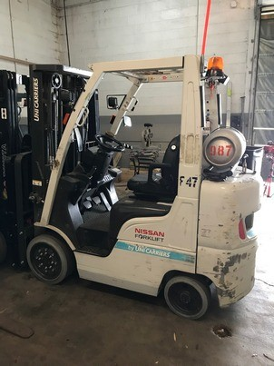Nissan Unicarriers CF50LP 5000lb Cushion Solid Tire 4 Wheel Sit Down Rider Propane Forklift 2014