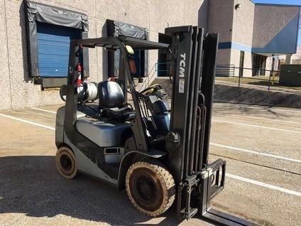 TCM Forklifts FG25 Propane Fuel Pneumatic Tire 5000lb Forklift 2014