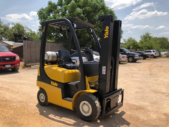 Yale Forklifts GLP030VXN Propane Fuel Pneumatic Tire 3000lb Forklift 2015