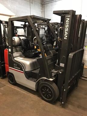 Nissan Forklifts CF50LP 5000lb Solid/Cushion Tire Propane Forklift 2014