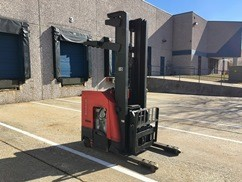 Raymond Forklifts 740-DR32TT 3200lb Electric Stand Up Rider Double Reach Forklift 2012