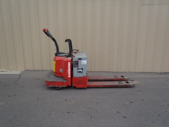 Raymond Forklifts 8400 Electric Pallet Trucks 2007