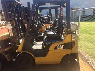 Caterpillar Forklifts 2P3000 Pneumatic Tire 3000lb Sit Down Rider Propane Forklift 2013