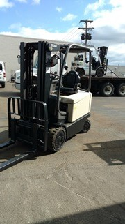 Crown Forklifts FC5000 EE Rated Electric 5000lb Sit Down Rider 4 Wheel Forklift 2013