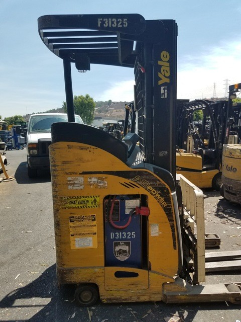 Yale Forklifts NR040 Stand Up Rider Electric Narrow Aisle 4000lb Reach Forklift 2009