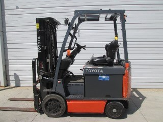 Toyota Forklifts 8FBCU25 Electric 5000lb Sit Down Rider Forklift 2016
