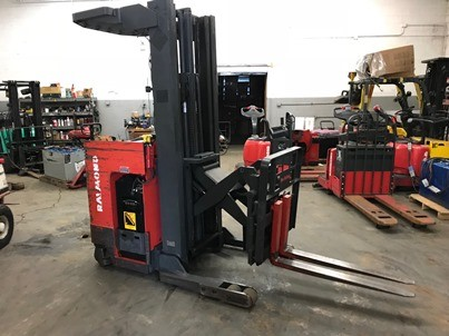 Raymond Forklifts EasiR40TT Narrow Aisle Stand Up Rider 4000lb Reach Forklift 1994