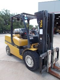 Yale Forklifts GLP120VXNGGE088 Pneumatic Tire 12,000lb 6 Ton Propane Forklift 2011