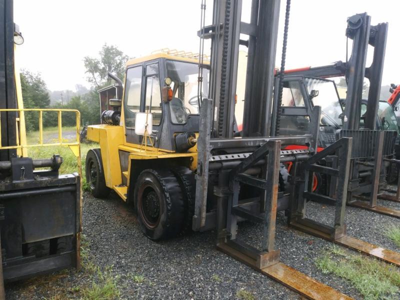 Caterpillar Forklifts DP90 9.5 Ton 19,000lb Pneumatic Tire Diesel Forklift 2007
