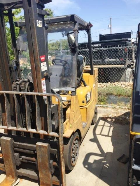 Caterpillar Forklifts GC45KSTR 10,000lb Cushion/Solid Tire Short Turning Radius Propane Forklift 2015