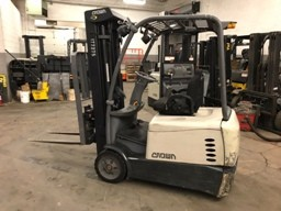 Crown Forklifts SC5220-35 Electric Sit Down Rider 3500lb 3-Wheel Forklift 2012