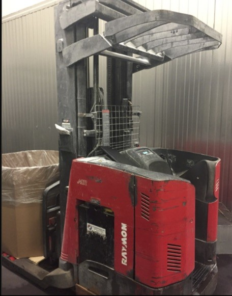 Raymond Forklifts 740DR32TT Electric Stand Up Rider 3200lb Double Reach Forklift 2008