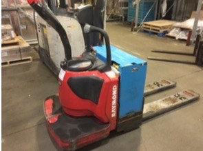 Raymond Forklifts 8410 6000lb Warehouse Walk Behind Rider Pallet Trucks 2015