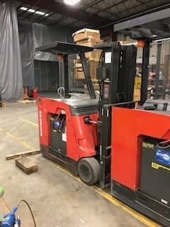 Raymond Forklifts 420-C50TT Electric 5000lb Stand Up Rider Counter Balance Forklift 2008