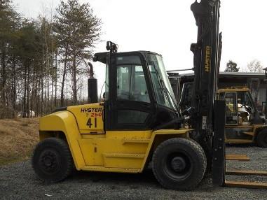 Hyster Forklifts H250HD Diesel Engine Solid Pneumatic Tire 12.5 Ton 25,000lb Outdoor Forklift 2014