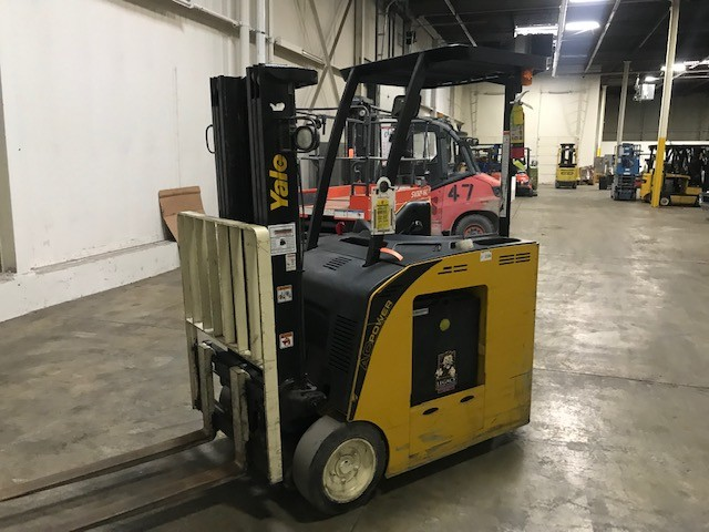 Yale Forklifts ESC040 Stand Up 4000lb Electric Rider Counter Balance Forklift 2014