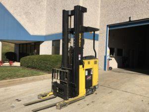 Hyster Forklifts N30XMDR3 Electric Narrow Aisle 3000lb Stand Up Rider Double Reach Forklift 2005