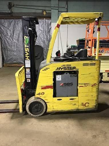 Hyster Forklifts E40HSD2-18 Stand Up Rider 4000lb Electric Narrow Aisle Counter Balance Forklift 2013