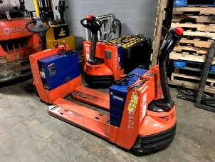Toyota Forklifts 7HBW23 Electric Walk Behind 4500lb Pallet Trucks 2013