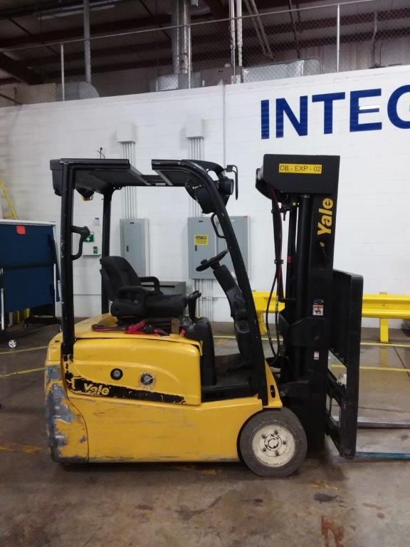 Yale Forklifts ERP040 3-Wheel Electric Sit Down Rider 4000lb Forklift 2014