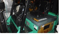 Mitsubishi Forklifts FBC30N Electric 6000lb Sit Down Rider 4 Wheel Warehouse Forklift 2011