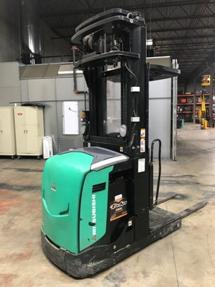Mitsubishi Forklifts EOP15N Electric Stand Up Rider 3000lb Warehouse Man Up Order Picker Forklift 2011