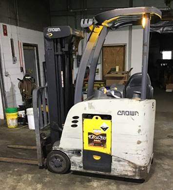 Crown Forklifts RC5525-30 Stand Up Rider Electric 3000lb Narrow Aisle Counter Balance Forklift 2013