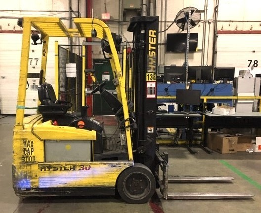Hyster Forklifts J30ZT Electric Sit Down Rider 3000lb 3-Wheel Forklift 2009