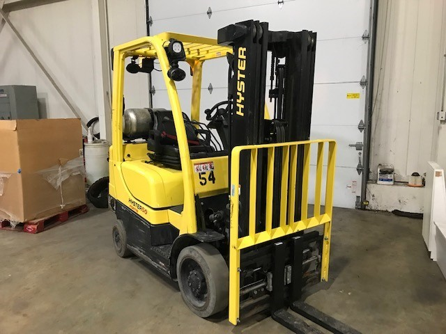 Hyster Forklifts S50FT 5000lb Cushion Solid Tire Propane Fuel Warehouse Forklift 2016