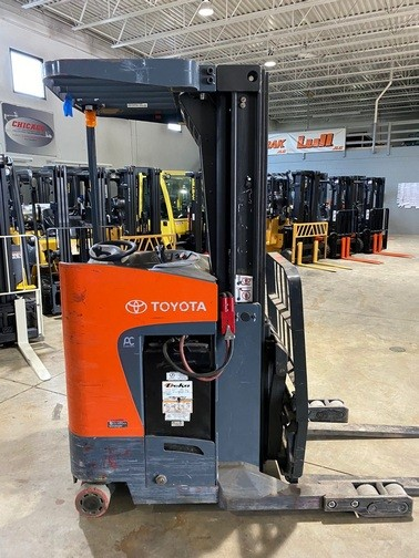 Toyota Forklifts 8BRU18 Electric Stand Up Rider 3500lb Narrow Aisle Reach Forklift 2015