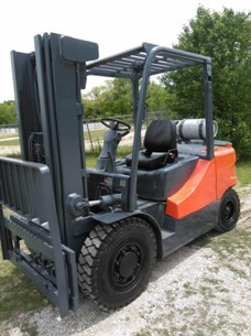 Doosan Forklifts G35S-5 Pneumatic Tire 8000lb Propane Fuel Outdoor Forklift 2015