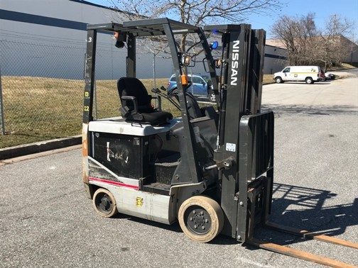 Nissan Forklifts BXC30 Electric 4 Wheel Sit Down Rider 3000lb Warehouse Forklift 2012
