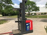 Raymond Forklifts 560OPC30TT Narrow Aisle Stand Up Rider 3000lb Order Picker Forklift 2009