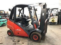 Linde H25T pneumatic tire 5000lb propane fuel outdoor style forklift.