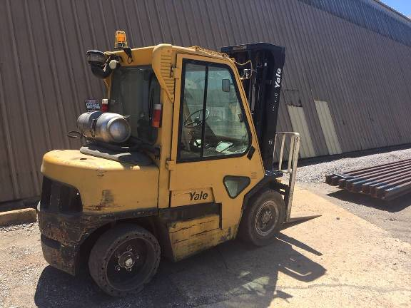 2006 Yale GLP080 pneumatic tire 8000lb propane fuel outdoor forklift with cab