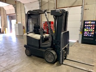 Crown FC4510-50 electric 4 wheel sit down rider 5000lb warehouse style cushion tire forklift