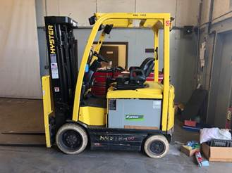 Hyster E50XN-33 electric 4 wheel sit down rider 5000lb warehouse forklift