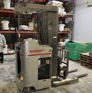 Nissan DM1H230FNV electric stand up rider 3000lb double reach forklift